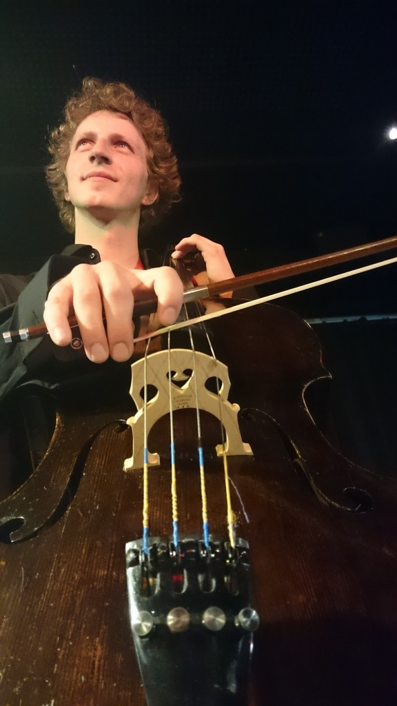 Jakob am Cello
